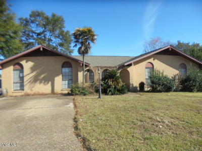 Gulfport Single Family Home For Sale: 620 Sarazen Dr