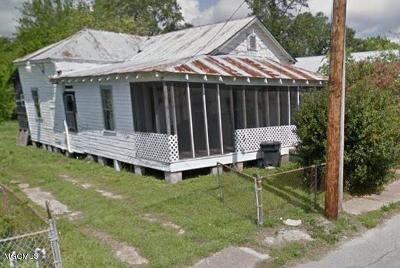 Biloxi MS Single Family Home For Sale: $34,500