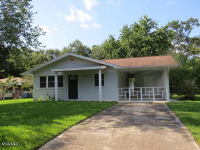 Ocean Springs Single Family Home For Sale: 125 Lafayette Cir