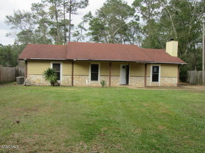 Ocean Springs Single Family Home For Sale: 9408 Pointe Aux Chenes Rd