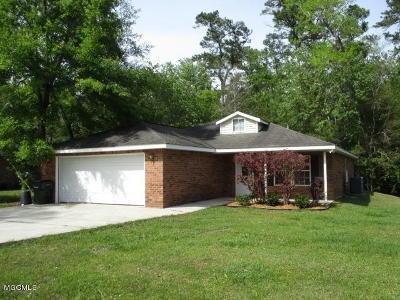 Diamondhead Single Family Home For Sale: 73658 N Diamondhead Dr