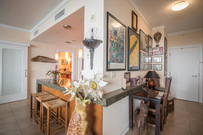 Biloxi Condo/Townhouse For Sale: 2060 Beach Blvd #1003