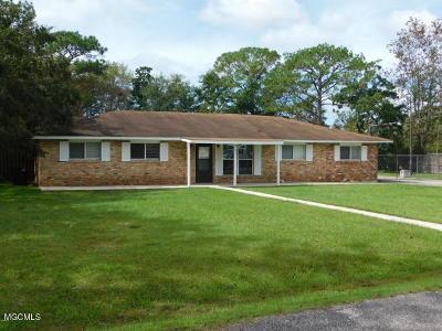 Ocean Springs Single Family Home For Sale: 21 Davis Bayou Cir