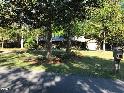 Ocean Springs Single Family Home For Sale: 24 Pittman Rd