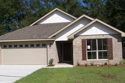 Gulfport Single Family Home For Sale: 44 Roundhill Dr