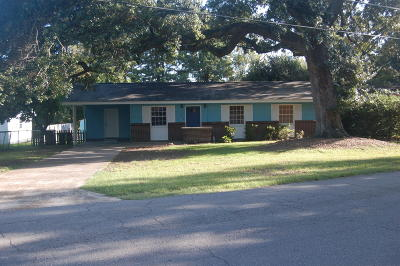 Long Beach Single Family Home For Sale: 512 W Old Pass Rd