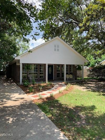 Ocean Springs Single Family Home For Sale: 513 Martin Ave