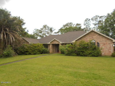 Pass Christian Single Family Home For Sale: 141 Country Club Dr