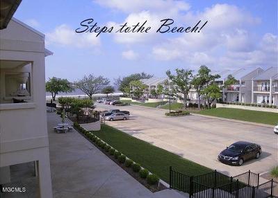 Long Beach Condo/Townhouse For Sale: 548 Beach Blvd #114