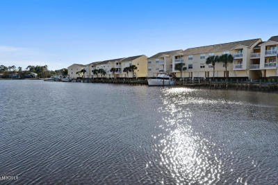 Ocean Springs Condo/Townhouse For Sale: 2421 Beachview Dr #B3