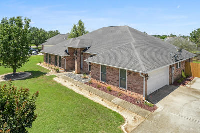 Gulfport Single Family Home For Sale: 13115 Windrose Cir
