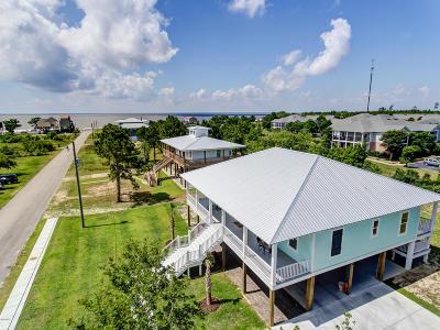 Long Beach Single Family Home For Sale: 302 S Seashore Ave