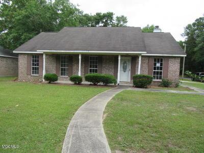 Ocean Springs Single Family Home For Sale: 5100 Beach St