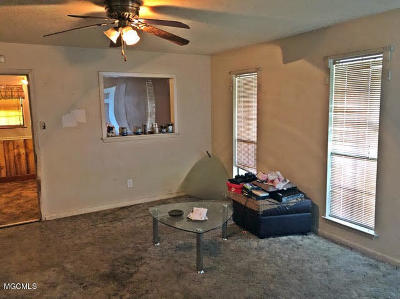 Gulfport Single Family Home For Sale: 210 Lavelle Dr