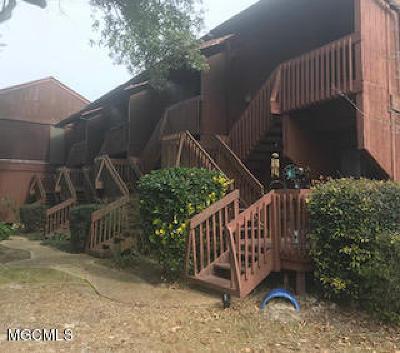 Diamondhead Condo/Townhouse For Sale: 101 Lakeside Villa #101
