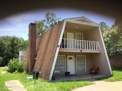 Diamondhead Single Family Home For Sale: 78126 Hilo Way