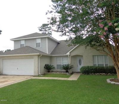 Ocean Springs Single Family Home For Sale: 8 Pine Lake Ct