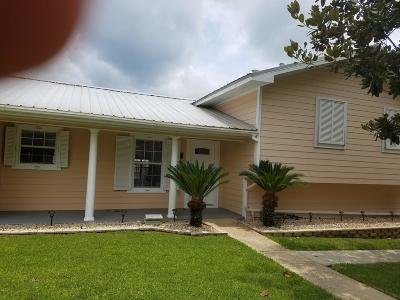 Biloxi Single Family Home For Sale: 706 Holly Hills Dr