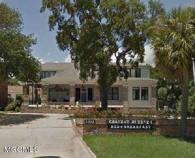Biloxi Single Family Home For Sale: 1012 E Beach Blvd