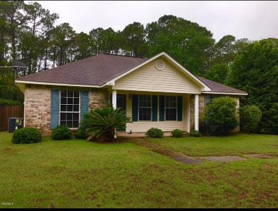 Ocean Springs Single Family Home For Sale: 1105 Oak St