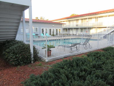 Biloxi Condo/Townhouse For Sale: 1664 Beach Blvd #B 67