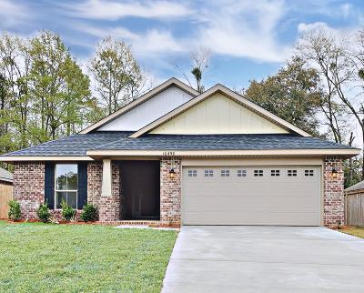 Gulfport Single Family Home For Sale: 49 Roundhill Drive