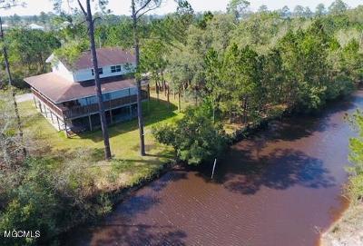 Bay St. Louis Single Family Home For Sale: 11042 Arkansas St