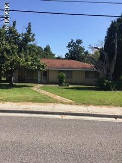 Bay St. Louis Single Family Home For Sale: 951 Washington St