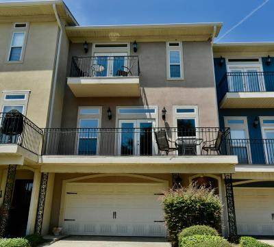 Long Beach Condo/Townhouse For Sale: 15 Oak Alley Ln