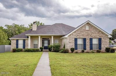 Gulfport Single Family Home For Sale: 13613 Hidden Oaks Dr