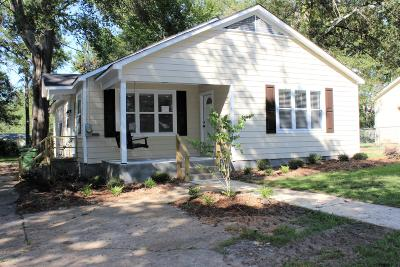 Single Family Home For Sale: 311 E College Street