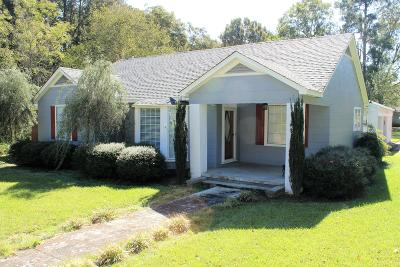 Single Family Home For Sale: 210 Pontotoc St