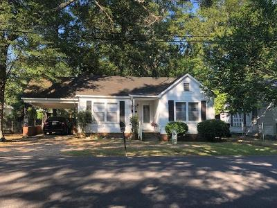 Single Family Home For Sale: 391 N Hight Ave