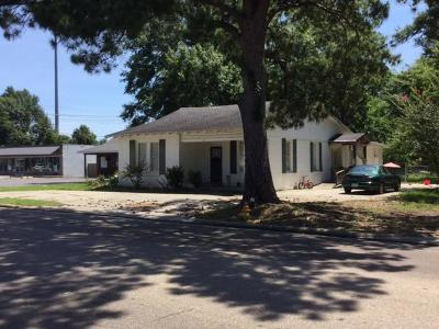 Petal Single Family Home For Sale: 127 S Main St.