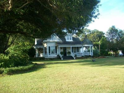 Columbia Multi Family Home For Sale: 403 Broad St.