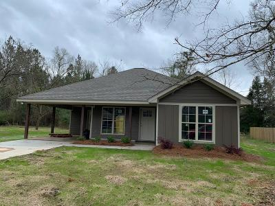 Petal Single Family Home For Sale: 106 Maple St.