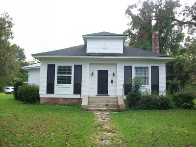 Columbia Single Family Home For Sale: 704 Broad St.