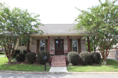 Single Family Home For Sale: 37 Fleur De Lis Blvd.