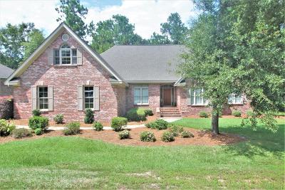 Single Family Home For Sale: 120 Longwood Terrace