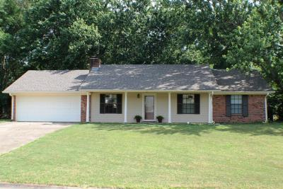 Single Family Home Sold: 225 Creekline Dr