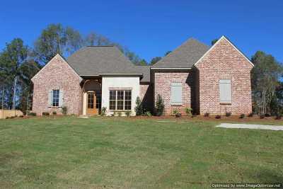 Madison Single Family Home For Sale: 124 Saddlebrook Cove