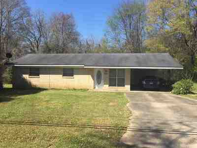 Smith County Single Family Home For Sale: 215 Spring St