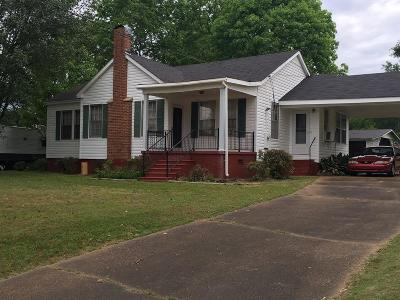 Carthage Single Family Home For Sale: 512 E Franklin St