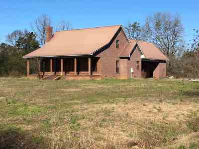 Carthage MS Single Family Home For Sale: $90,000