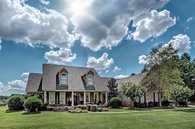 Madison Single Family Home For Sale: 105 Cherry Bluff Dr