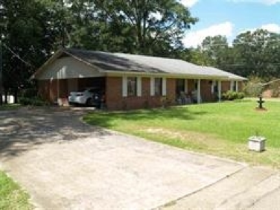 Simpson County Single Family Home Contingent: 402 SW Second Ave