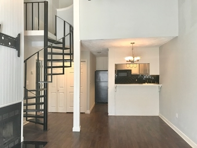 Madison Townhouse For Sale: 200 Woodgreen Dr #28