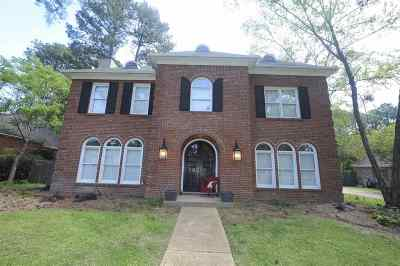 Madison Single Family Home For Sale: 704 Woodgate Dr