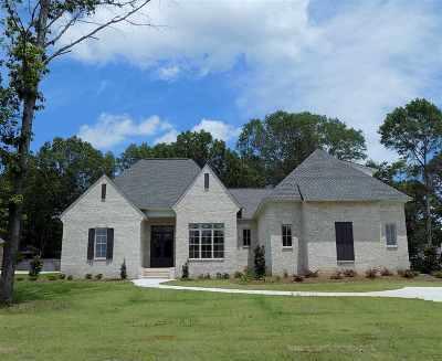 Madison Single Family Home For Sale: 132 Saddlebrook Cove