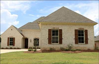 Madison Single Family Home For Sale: 192 Stone Creek Dr